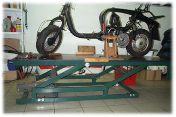 Scooter Lifting Bench - Lambretta